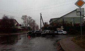 В Смоленской области водитель «ВАЗа» пострадал в тройном ДТП