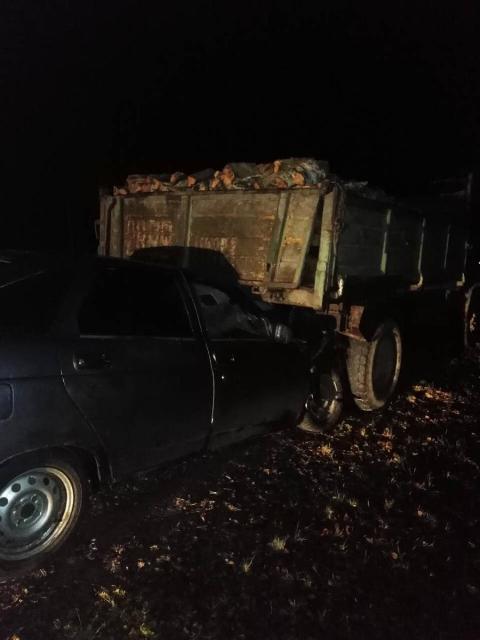 В Смоленской области на трассе М1 в ДТП с грузовиком пострадал водитель «ВАЗа»