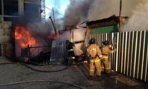 В селе в Смоленской области при пожаре пострадал 42-летний мужчина