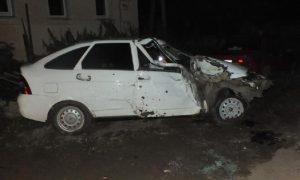 «Лада» врезалась в дом». В ДТП в Смоленской области погиб человек