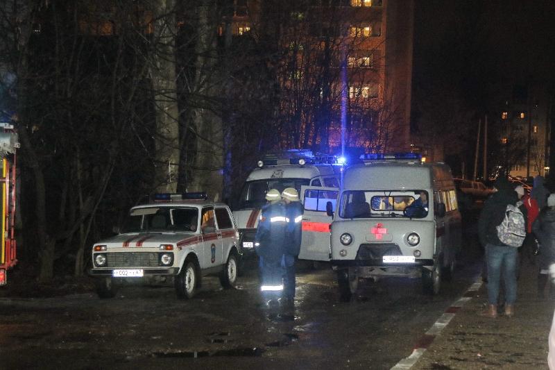 «Хозяина квартиры с ожогами госпитализировали». Подробности пожара в Смоленске
