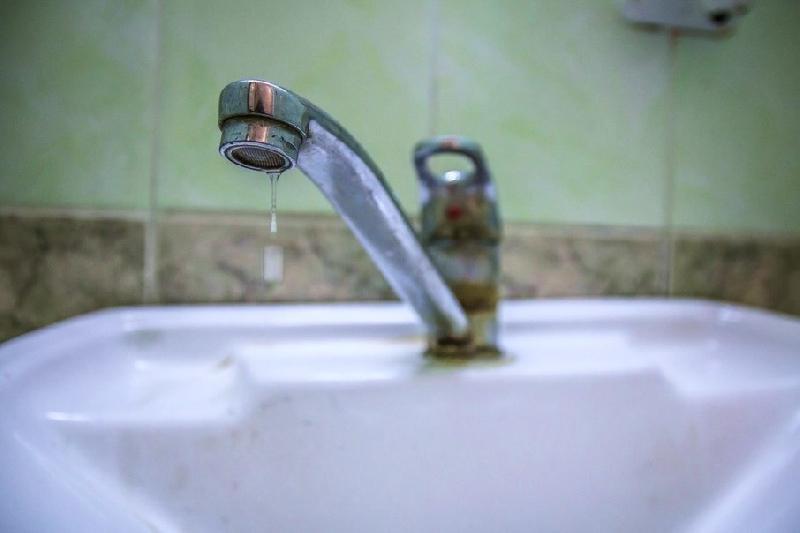 В Смоленске жителям 16 улиц отключили горячую воду до 23 ноября