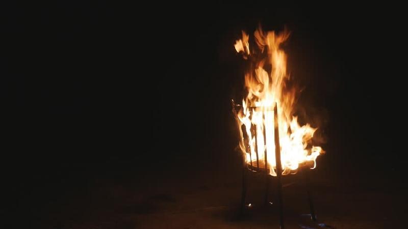 «В квартире загорелся стул». В Смоленске при пожаре пострадал мужчина