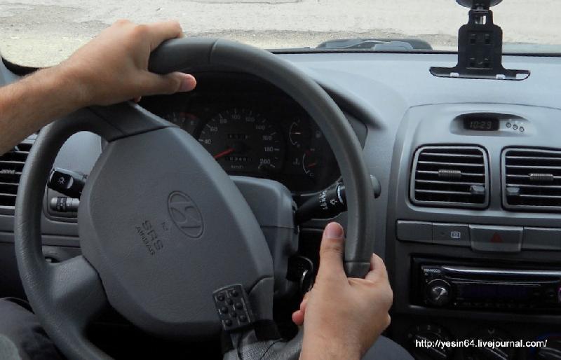 «Резкий разворот, и пассажир вылетел из машины». Жесткое ДТП в Смоленской области