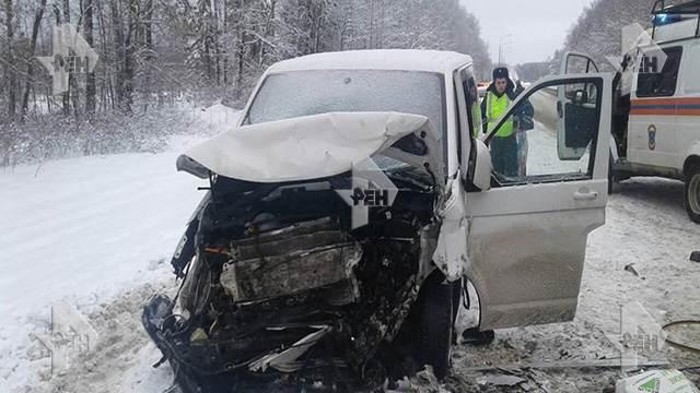 «Один человек погиб, еще пятеро пострадали». Жуткая авария в Смоленской области