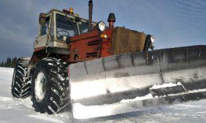 В Смоленской области тракторист попал под свой трактор