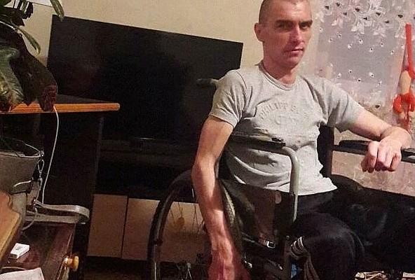 В канун Рождества смолян просят помочь инвалиду с приобретением коляски