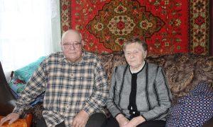 В Смоленской области супруги отпраздновали бриллиантовую свадьбу