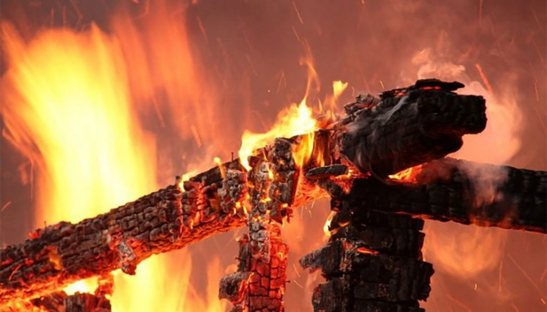 Двое смолян едва не погибли в огне