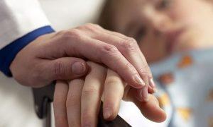 Смоленских медиков учили помогать безнадежно больным детям