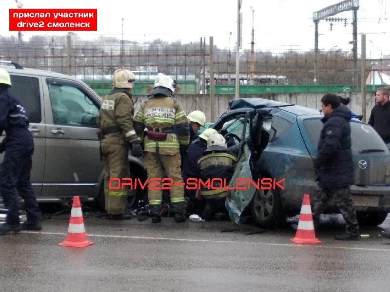 «Мужчина скончался в больнице». В Смоленске ищут свидетелей жесткого ДТП