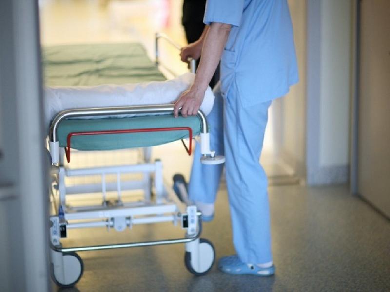 «В госпитализации ей отказали». В Смоленске следователи проверяют больницу после смерти женщины