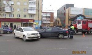 В Смоленске в ДТП пострадала девушка