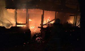 В Смоленском районе в горящей беседке пострадал молодой мужчина