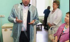 Губернатор Алексей Островский пообщался с пациентами больницы «Красный Крест» в Смоленске