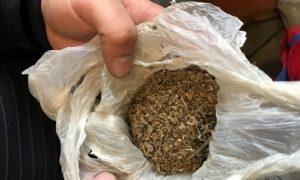 Смолянина «повязали» с 15 свертками запрещенной травы