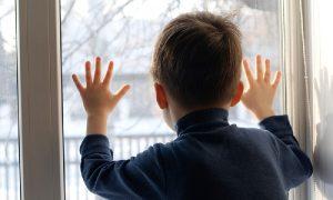 Следователи призывают смолян закрывать окна