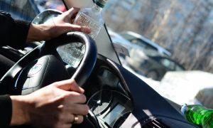 В Смоленской области пьяный водитель, сбежавший с места ДТП, ударил полицейского