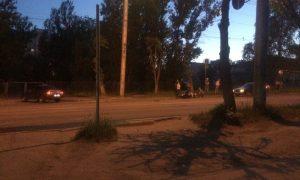В Смоленске мотоциклист «не устоял» перед легковушкой и получил травмы