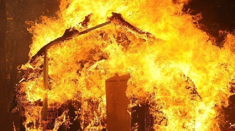 В Смоленской области вспыхнул частный жилой дом