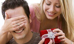 Как выбрать нужный подарок на день рождения молодого человека