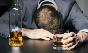 Алкоголизм: что это такое, симптомы, осложнения