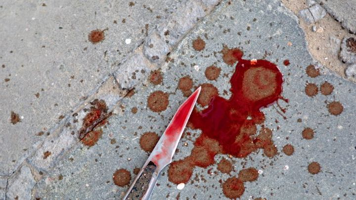 В смоленском райцентре нашли труп с ножевым
