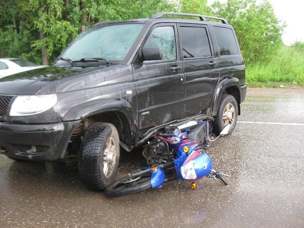 В Смоленской области ищут свидетеля ДТП, в котором пострадал мопедист