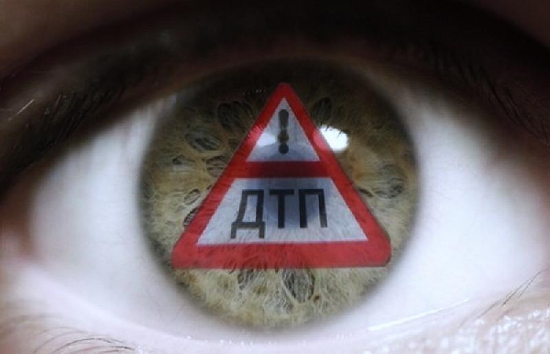 «И года не прошло». Разыскиваются свидетели страшного ДТП в центре Смоленска, в котором пострадал мотоциклист