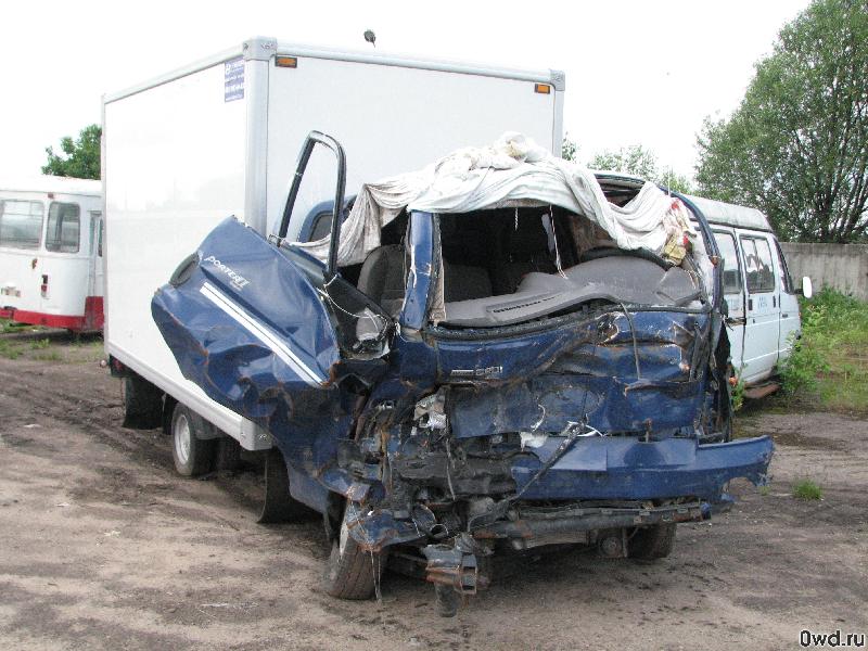 В Смоленской области водитель грузовика не пропустил фуру и оказался в больнице