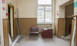 Когда планируют завершить ремонт детской поликлиники в Смоленске
