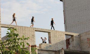 В смоленском райцентре подростки нашли себе опасное развлечение