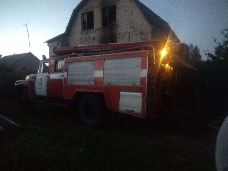 «Дом сгорел, родные в реанимации». Смолянка просит о помощи