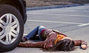 В Смоленске водитель сбил пешехода, которая в 4 раза его младше