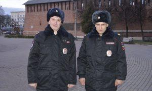 В Смоленске сотрудники ППС спасли людей на пожаре