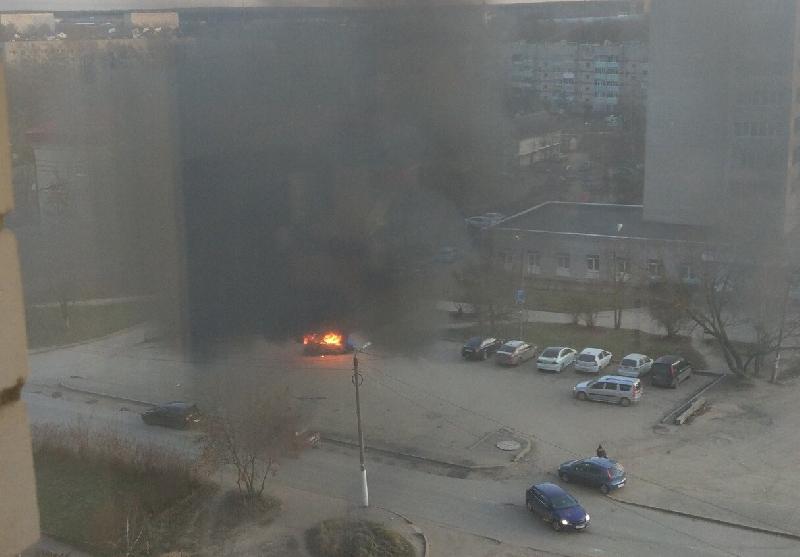 В смоленском ГУ МЧС прокомментировали пожар возле поликлиники