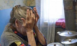 В Смоленске лжемедик украла у 92-летней старушки крупную сумму