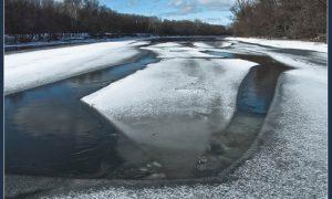 МЧС предупреждает: безопасного льда в Смоленской области нет