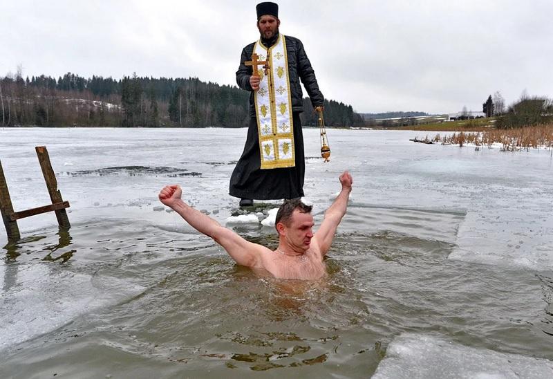 В одной из купелей под Смоленском запретили окунаться на Крещение