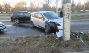 В Смоленске полиция ищет свидетелей жесткого ДТП «на дамбе»