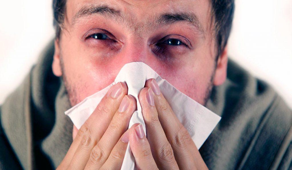 Причиной насморка может быть не только инфекция