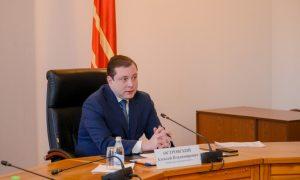 Алексей Островский поручил проверить аптеки Смоленской области