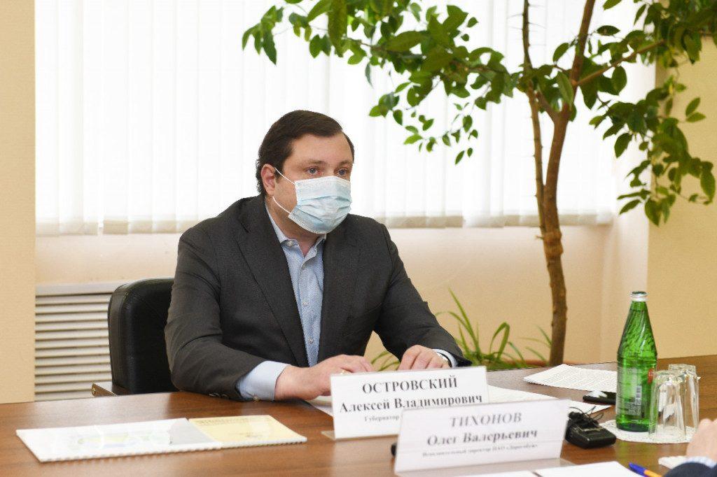 Алексей Островский заслушал доклад о работе Дорогобужской больницы в условиях пандемии
