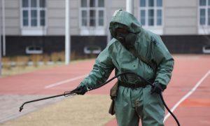 Военные дезинфицируют от коронавируса соцучреждения Смоленской области