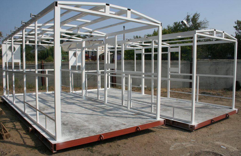Строительство коттеджа: металлоконструкции для бытовок