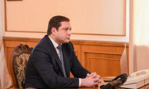 Алексей Островский пообщался с коллективом инфекционного госпиталя клинической больницы №1