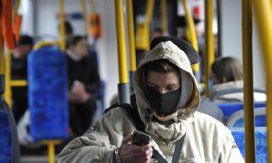 Смолянам напоминают о необходимости носить маски в общественном транспорте