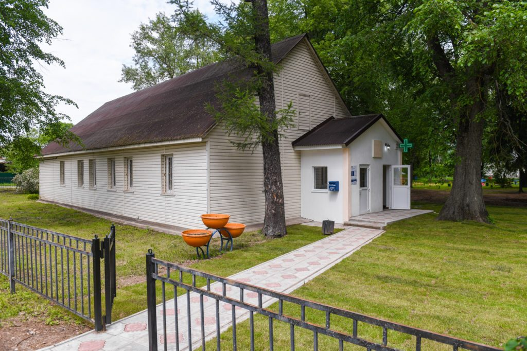 В Смоленской области компания «КРОЛЪ и К» отремонтировала и оснастила оборудованием аптечный пункт