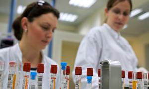 Минздрав зарегистрировал первый российский препарат от коронавируса, который испытывали в Смоленске