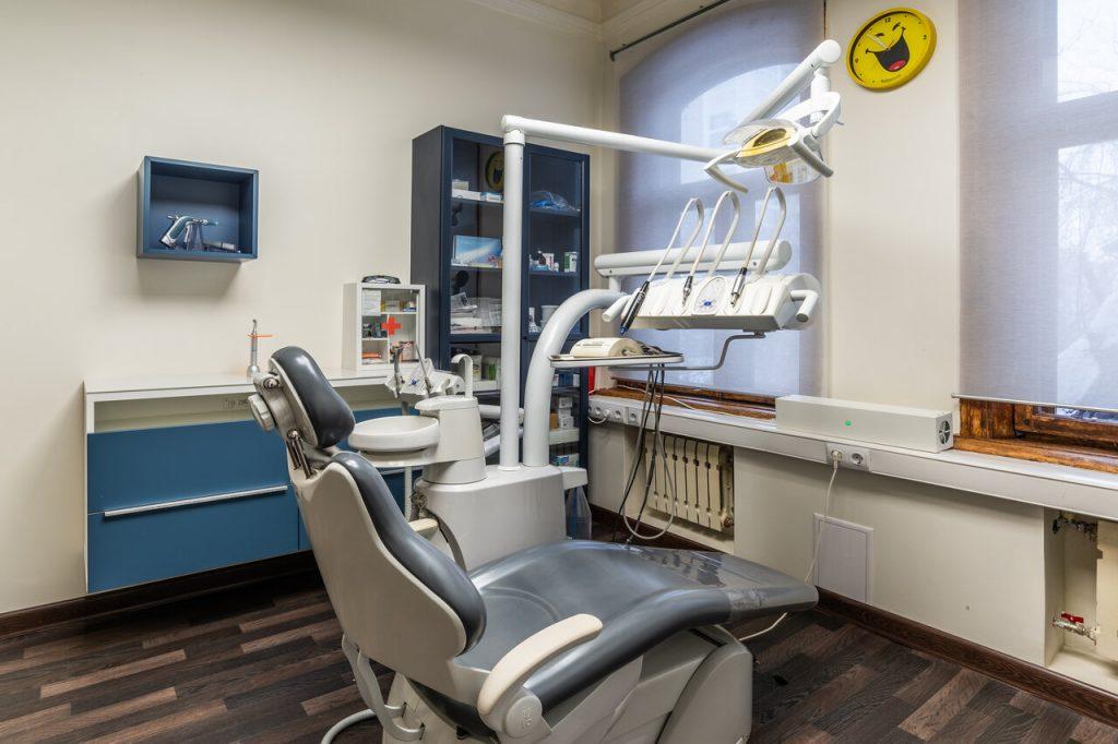 Высококачественные услуги стоматологов от клиники «Мастерская улыбок» доктора Ляпина